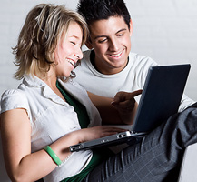Young Couple_Laptop
